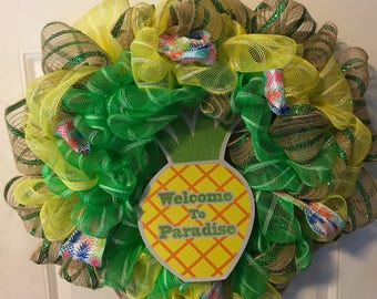 Welcome to Paradise Mesh Wreath