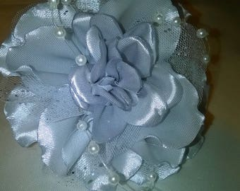 (elastic) scrunchie with flower kanzashi white satin ribbon and silver sequined tulle way