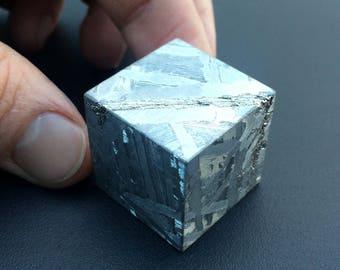 Cubic inch made of meteorite Seymchan. 25,4 mm.
