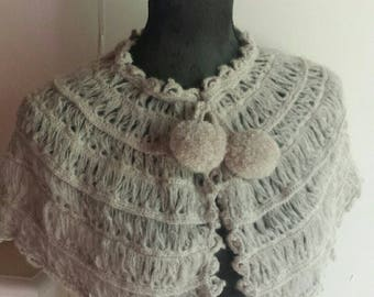 capelet / retro style handmade crochet shoulder warmer
