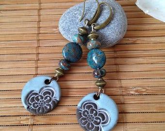 Boucles d'oreilles Hippie Boho, breloques céramique fleur et perles en Jaspe