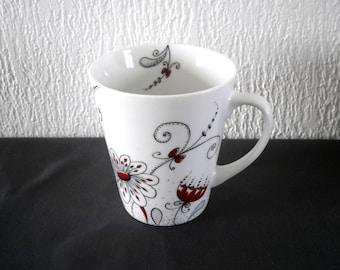 Personalized mug made of fine porcelain, decor belonging to the Studio, unique piece.