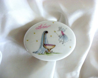 Box customizable baptism porcelain, painted by hand for jewellery or sweets.