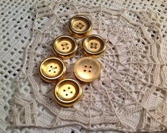 Six buttons metal gold