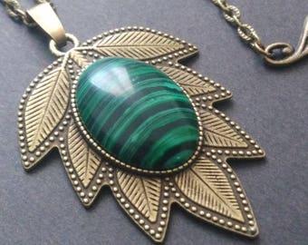 Malachite on mesh chain leaf necklace - pendant