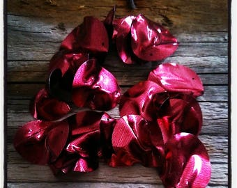 set of 18 red sequin paillettes