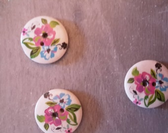 Buttons x 4 flower patterns