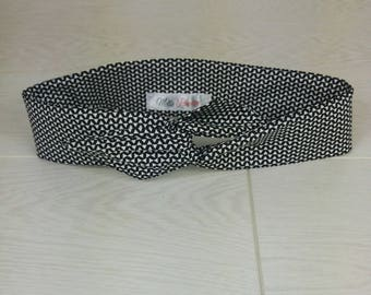 black cotton headband with small white chevron