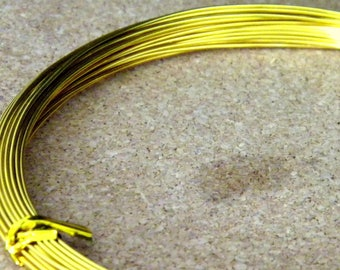 10 meters of thread of aluminum in 0.8 mm gold color