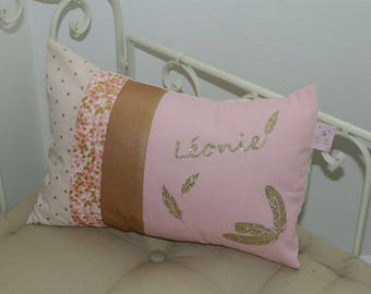 Cushion theme pink feathers and gold personalized