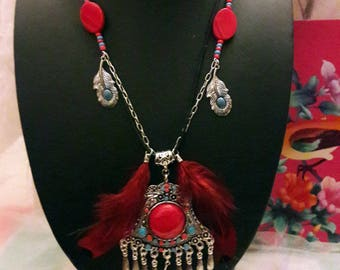 """Indian"" metal necklace, beads, feathers"