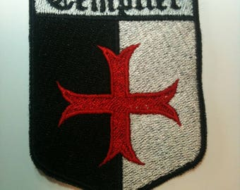 Embroidered back fusible Templar baussant