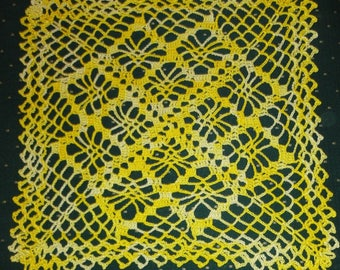 SQUARE DOILY MITIGATES yellow 26 X 26 cm - handmade - new