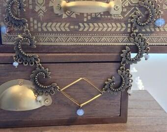 Vintage bib necklace bronze