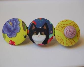 My cute cat button pin