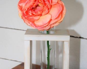 Single Vase Centerpiece