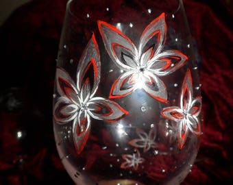 5 customizable starry flower motifs etched and painted wine glasses
