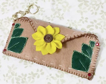 Felt summer sunflower sunglasses case