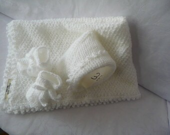 set baby blanket/shawl bonnet hand made white booties