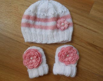 set newborn,bonnet et mittens for baby girl