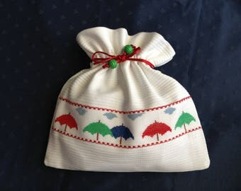 """Bag in white pique fabric with its embroidery """"umbrellas"""""""
