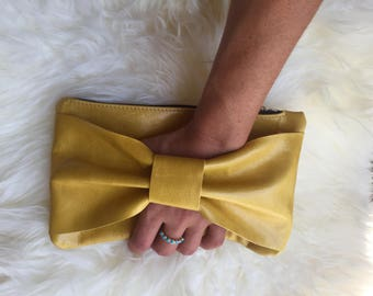 Leather bow bag pouch