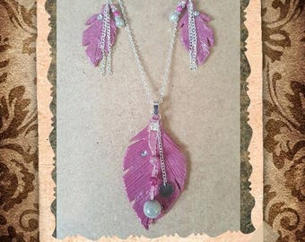 Adornment feather imitation pink polymer clay