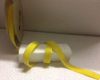 """""""Stranded 3822"""" yellow velvet Ribbon wide 1.5 cm"""