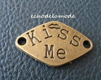 """1 Connector """"Kiss Me"""" bronze 33 X 20 mm bracelet"""