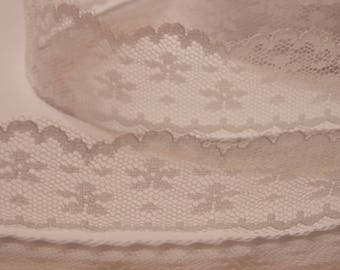 1 meter ❥ pretty white lace with ribbon flowers