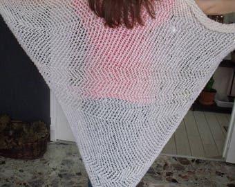 woolen shawl knitting pattern, white, slightly fuzzy