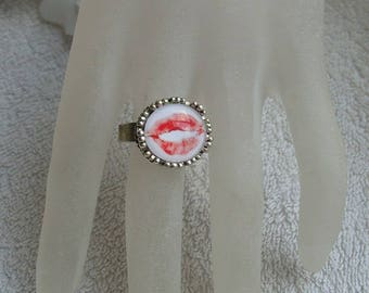MOUTH kisses ring adjustable Tibetan jewelry: round glass cabochon motif mouth original unique gift