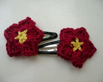 2 pins with red crochet flower hair
