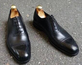 Loake Strand 1880 Black (Size UK:  8  9  9.5  10  10.5)