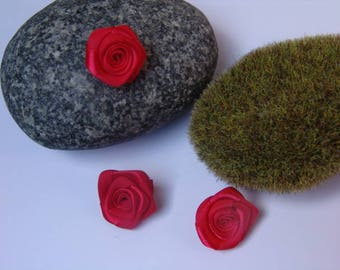Red Rose satin - 2.50 cm in diameter