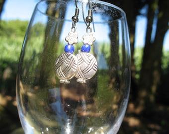 Metal and seed beads earrings