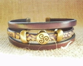 Leather Bracelet, gold-plated, laitonnées, pearls and dark purple color size 19.5 cm