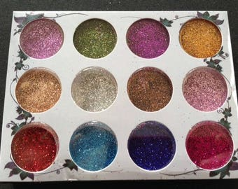 Pack of 12 small boxes of metallic glitter