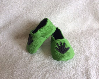 "Green leatherette ""handmade"" baby Bootie"