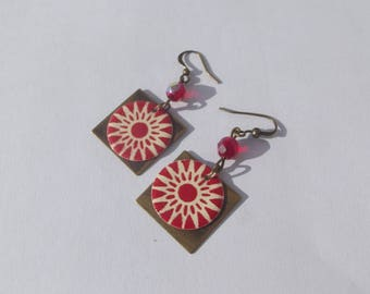 Bronze hook earrings, Pearl Orange faceted abacus and square with round sequin enamel beige Red Sun motif charm.