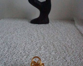 orange mother of Pearl ring