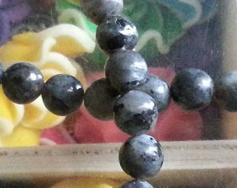 20 beads of labradorite 6 mm in diameter, hole 1 mm