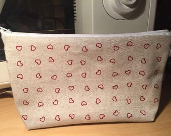 "Collection Valentine's day: ""little red heart"" handmade zippered pouch"