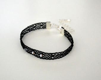 Bracelet lace, grains of barley and bottom towel with three black Crystal beads
