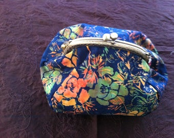 Or small purse in Kaffe fassett fabric
