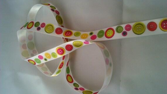 Ribbon satin motive buttons on white background