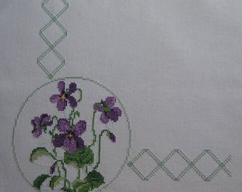 Embroidery pattern 1900 purple and green