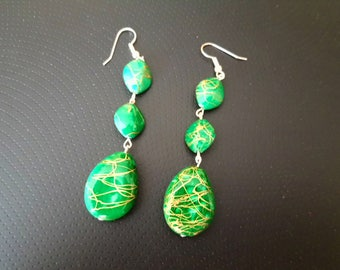 green earrings with stone pattern and gold color stripes