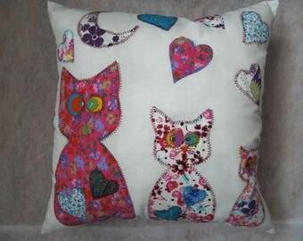 Nestor cat pillow pink
