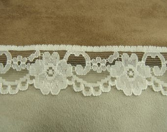 LACE Ribbon - 3 cm - white broken